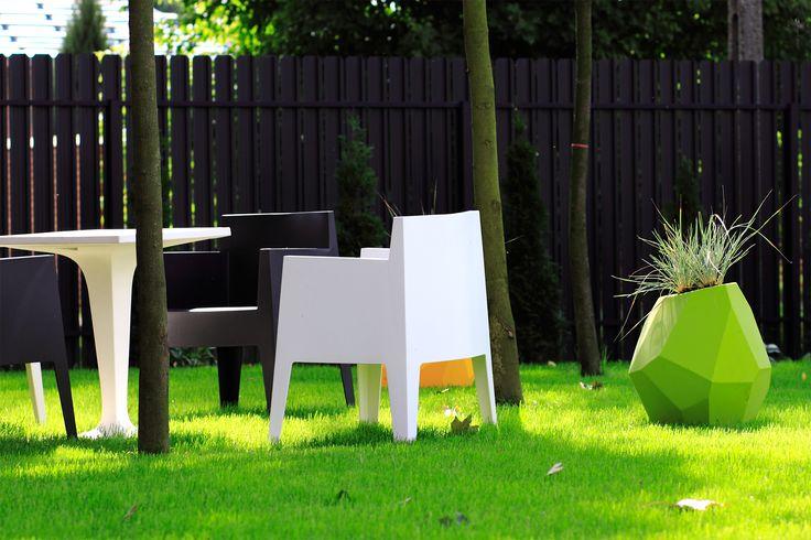 Inwestor prywatny. Stolik i fotel TOY - http://atakdesign.pl/pl/p/TOY/199