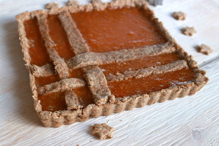 Un impasto vegan con farina integrale: la crostata di albicocche si fa light