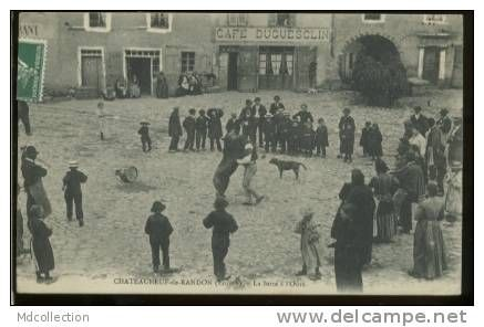 Chateauneuf de Randon - Delcampe.net niedźwiedzi na starych pocztówkach, bear street shows on vintage postcards