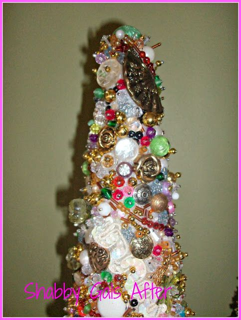 Shabby Gals: Baubles and Beads