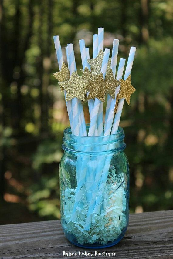 This set of 12 Twinkle Twinkle Gold Star paper straws will shine at your next shower or party! Each straw measures 7 1/2 long with a 1 1/2