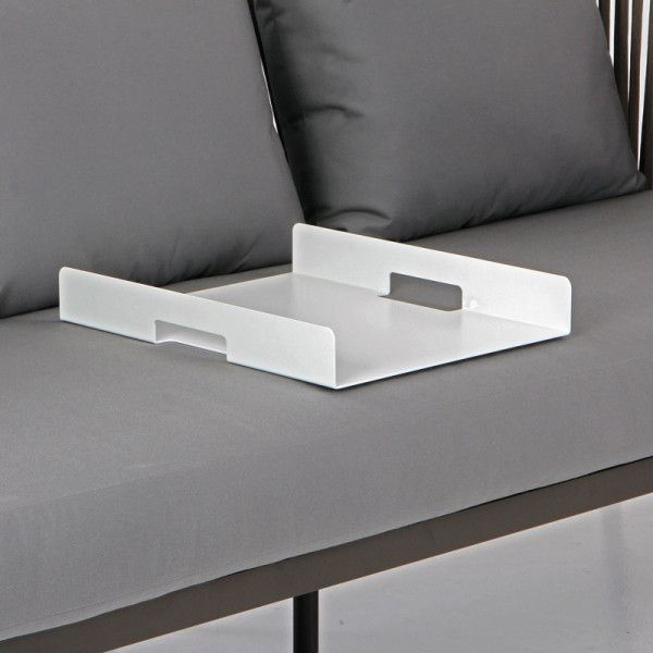The Sedona drinks tray is the perfect solution. This attractive and steadfast rectangular tray provides a solid surface for guests to rest their drinks on. It can be used both inside and out and is available in three contemporary colour ways: champagne, white and charcoal. Not only is it designed to be left outside in all weather conditions; it is functional as well as stylish.