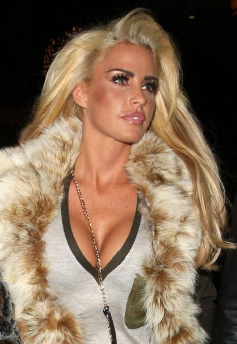 blondesofheaven:    katie price (jordan) is seen blonde in las vegas