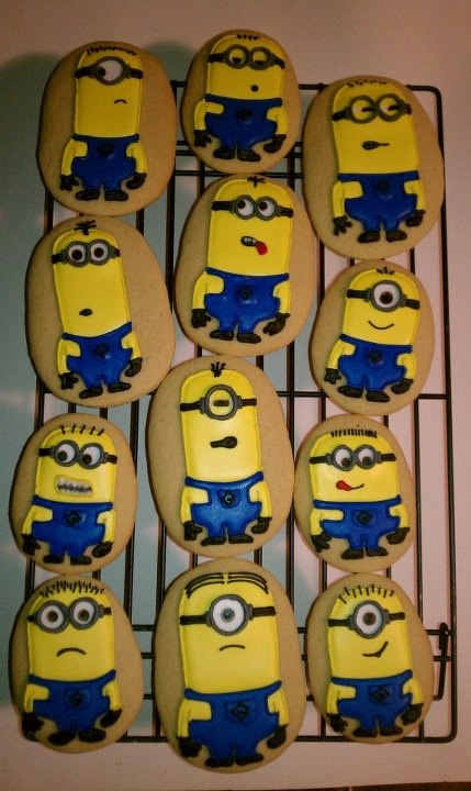 Despicable Me Minion Sugar Cookies....Greeks-N-Sweets. $26.00, via Etsy.