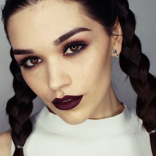 Grunge make up tips - Achieve the original indie grunge makeup look in 3 ways: classic, indie and modern. See our grunge tips, tutorials & style advice.