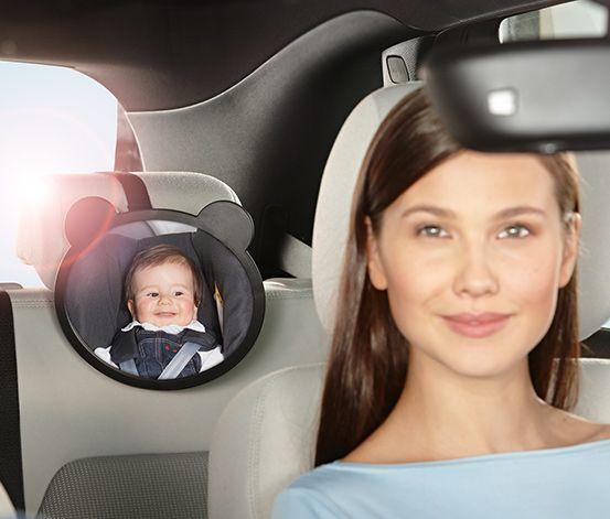 Zpětné zrcátko do auta pro kontrolu dítěte