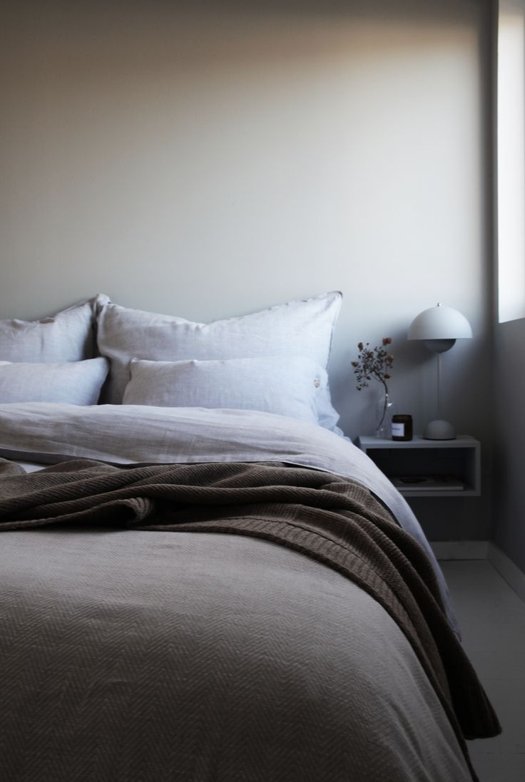 grey bedroom - ELISABETH HEIER