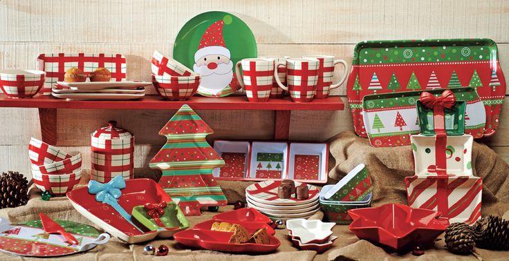 ¡Nada mejor que regalonear a tu familia con cosas ricas en navidad! Acompáñalas con bandejas, pocillos y platos navideños de Easy.  #Deco#Navidad #Santa  #Hogar #EasyChile #EasyTienda#TiendaEasy