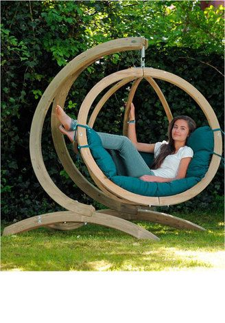 hammocking around - could use one of these!!