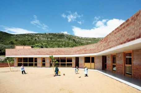 David Tapias y Núria Salvadó / Jardín de Infancia en Pratdip