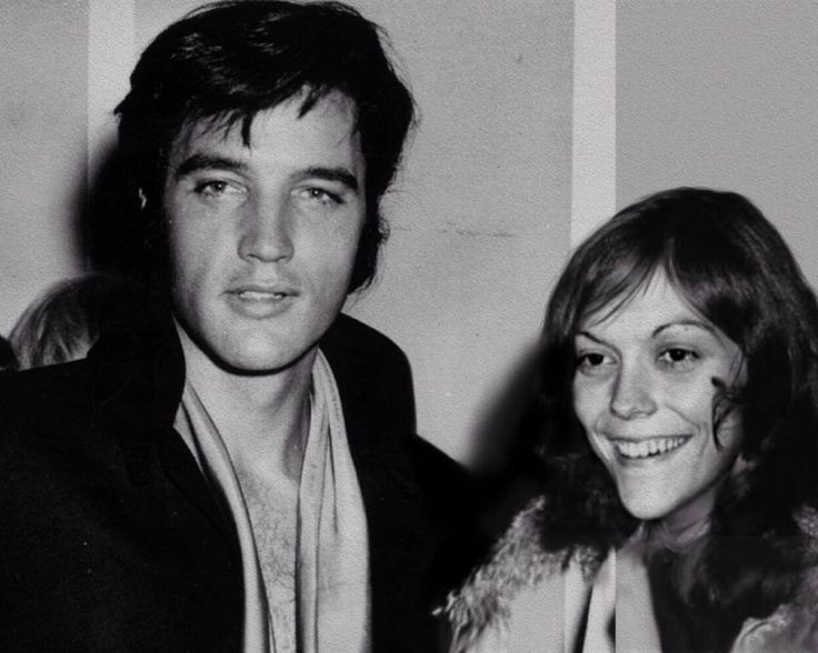 Two superstars of the music world! Elvis and Karen