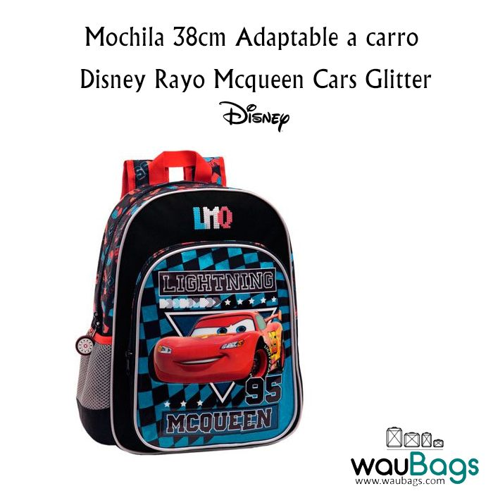 La Mochila Disney Rayo Mcqueen Cars Glitter adaptable a carro, tiene un compartimento principal con cierre de cremallera, un bolsillo delantero y un bolsillo lateral de rejilla donde podrás colocar una botella de agua pequeña y un asa en la parte superior. @waubags.com #mochila #disney #rayomcqueen #cars #escolar #vueltaalcole #cole #adaptable #waubags