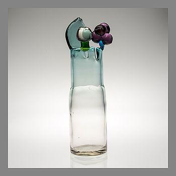 OIVA TOIKKA, GLASS SCULPTURE. Pompom vase. Sign. Oiva Toikka Nuutajärvi Notsjö, late 1960s. #bukowskismarket #bukowskis #design #glass #scandinavia #oivatoikka #notsjö