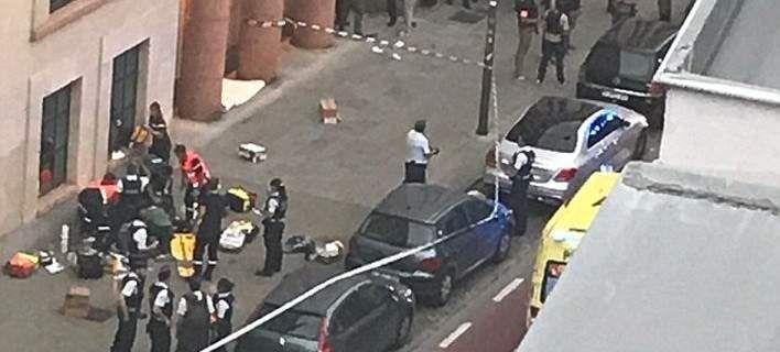 Βρυξέλλες: Ο τρομοκράτης που τραυμάτισε 2 στρατιώτες φώναζε «Ο Αλλάχ είναι μεγάλος» [εικόνες & βίντεο]