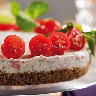 Cheesecake med rökt nötkött kan förberedas dagen innan.