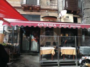 Osteria Antica Marina, pesce fresco e ottimo vino L'Osteria Antica Marina si trova vicino al mercato del pesce, in via Pardo, ed è un ristorante perfetto per chi ama i piatti di mare. Dall'antipasto di pesce..
