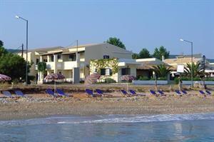 Griekenland Corfu Acharavi  Algemene beschrijving: Beachfront Salvanos Apartments ligt direct aan een zandstrand/kiezelstrand. Het in 2010 gerenoveerde hotel is gelegen in Acharavi en beschikt over 10 kamers. De medewerkers...  EUR 402.00  Meer informatie  #vakantie http://vakantienaar.eu - http://facebook.com/vakantienaar.eu - https://start.me/p/VRobeo/vakantie-pagina