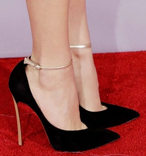 Not a big fan of straps on ankle but i likey like this one