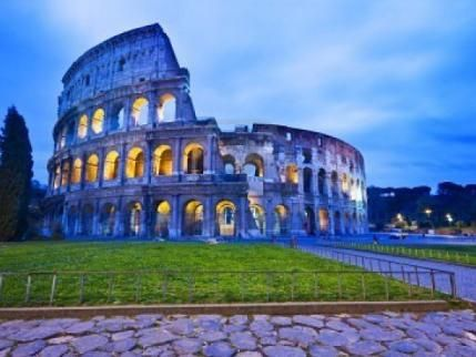 El Coliseo de Roma, una de las 7 maravillas del mundo.