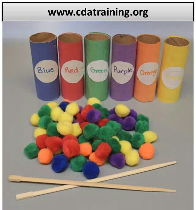 Toilet paper roll color match game. Simple learning game for 2 & 3 yr olds.