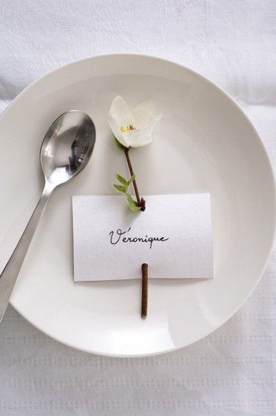 25 best ideas about dinner party invitations on pinterest - Porte nom de table fait main ...