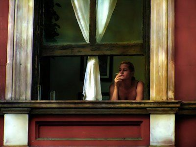 Edward Hopper was able to capture a certain mood in his paintings and this is a perfect example. Everyone has felt like this on a Sunday morning.