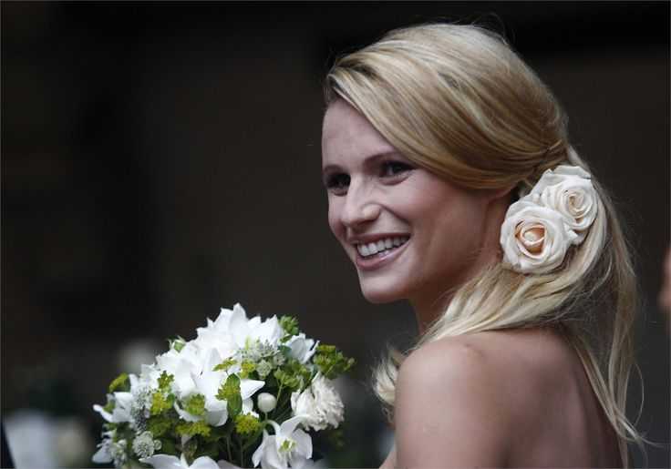 Un matrimonio da favola http://tulleeconfetti.com/michelle-hunziker-tomaso-trussardi-matrimonio-favola/