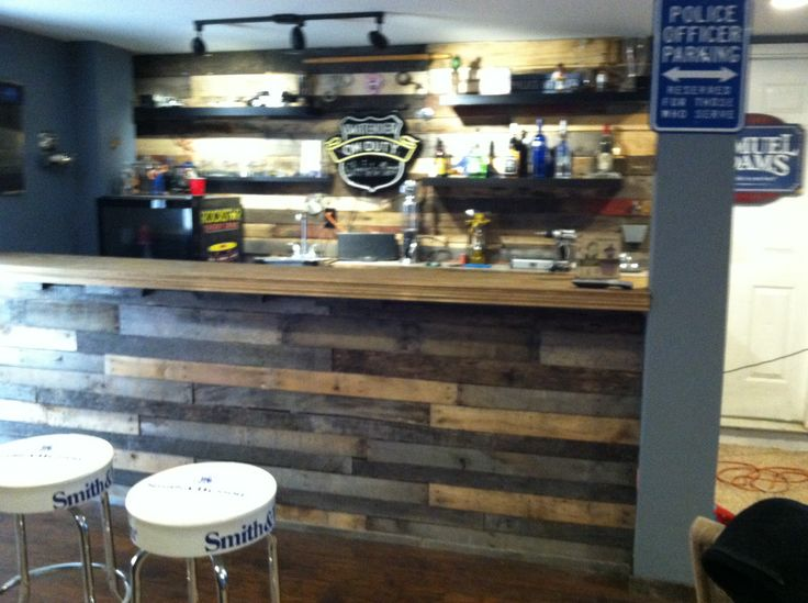 Man Cave Bar Out Of Pallets : Man cave bar completely made from pallets