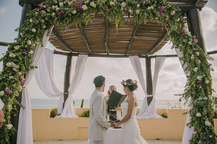 Ceremony decoration. Foliage arch