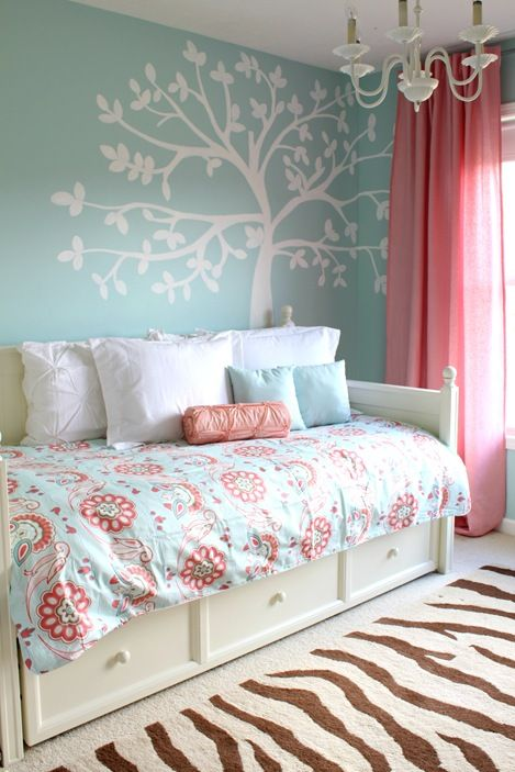 colors daybed trundle for elaina room someday but light purple instead of blue
