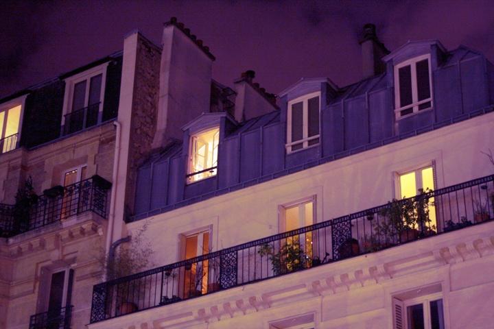 Emma Sundh fotar fina takvåningar i Paris