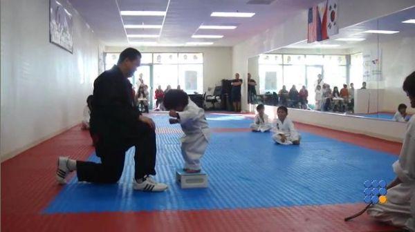 WebBuzz du 10/08/2015: Examen pour la ceinture blanche en Taekwondo-examination for the white belt in Taekwondo  Début difficile pour le premier cours de Taekwondo ... AYA !!  http://noemiconcept.com/index.php/fr/departement-informatique/webbuzz-tech-info/206905-webbuzz-du-10-08-2015-examen-pour-la-ceinture-blanche-en-taekwondo-examination-for-the-white-belt-in-taekwondo.html#video