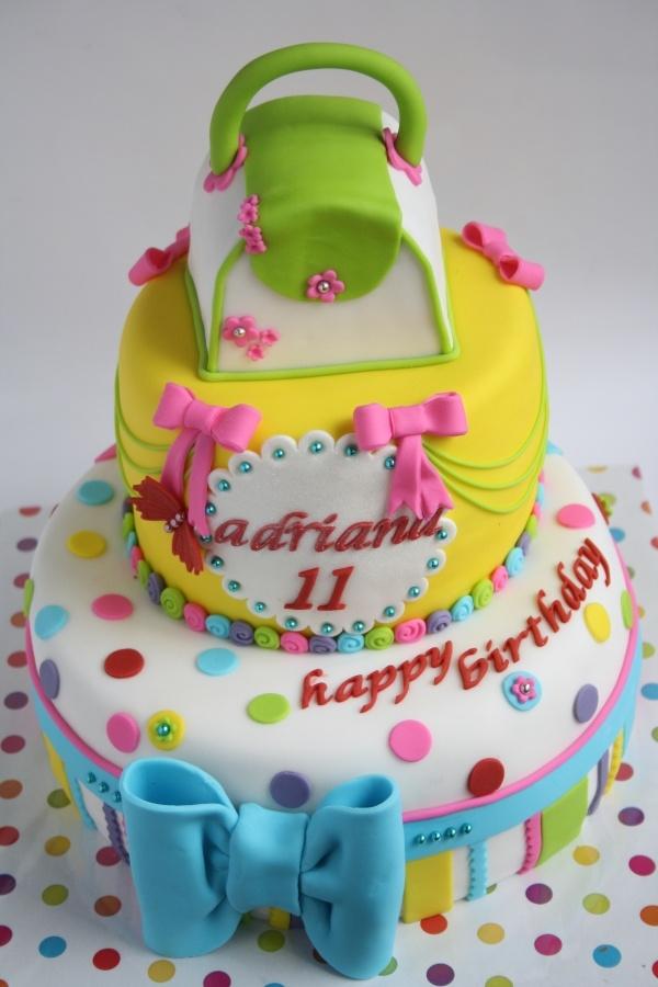 51 best ShoppingPurse Cakes images on Pinterest Purse cakes