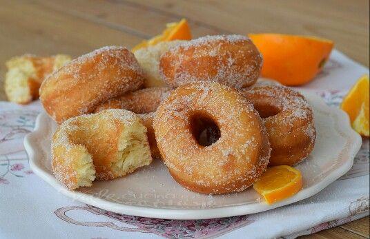 http://blog.giallozafferano.it/valeriaciccotti/ciambelline-con-yogurt-e-arancia/