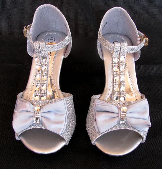 Pin από το χρήστη E-shop memoirs στον πίνακα Παπούτσια για Παρανυφάκια -  Επίσημα Παπούτσια για Κορίτσια 4af57b9405b