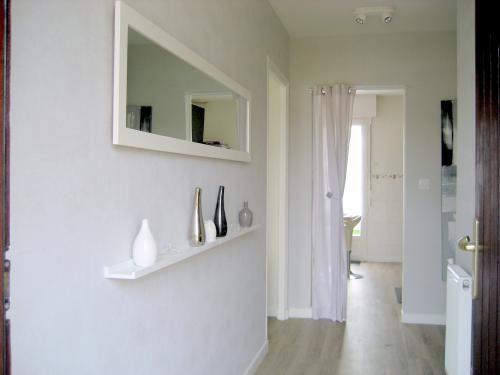 Tag re entr e ou couloir avec miroir entr e pinterest for Miroir couloir