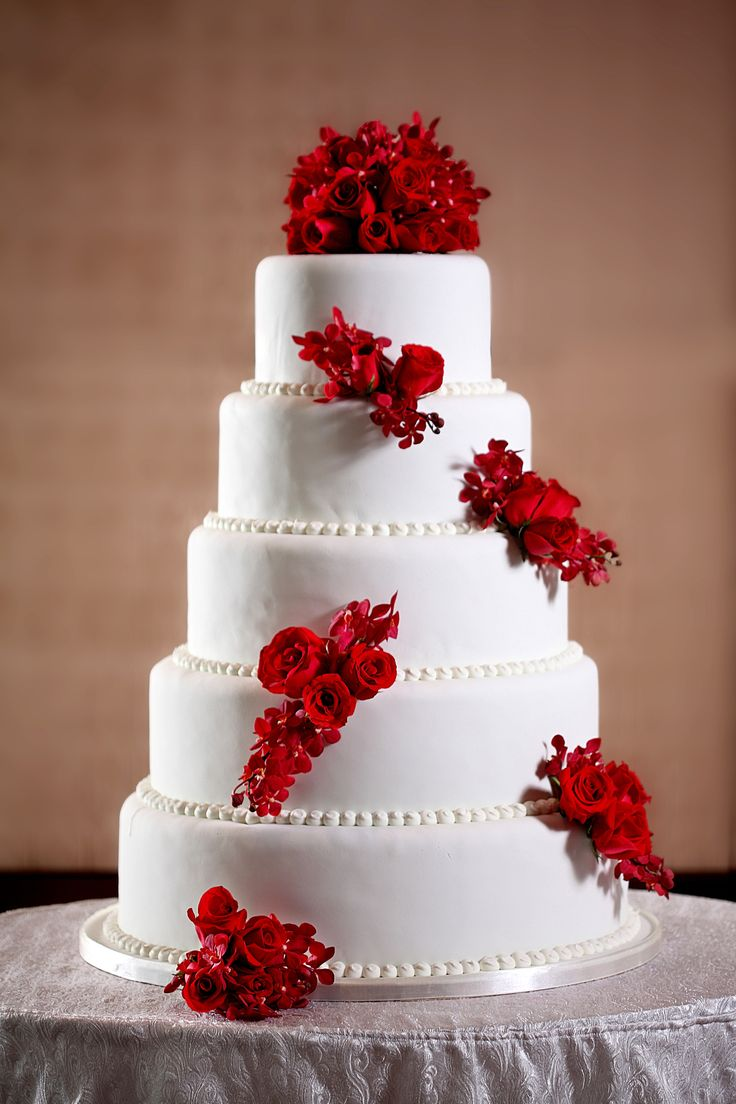 beautiful wedding cakes with roses 17 best images about cakes on pretty cakes 11232