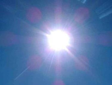 Solární ohřev vody  Díky nezadržitelně stoupajícím nákladům za energie se na nás obrací stále více lidí s možností instalace solárních panelů na ohřev teplé užitkové vody. Sluneční energie je zadarmo a v našich klimatických podmínkách ji lze výborně využít. Solární ohřev vody se tak neudržitelně rozšiřuje a poptávka stoupá přímo úměrně s neustále zdražující cenou za energie. http://solarnisystemynaohrevvody.cz/slunecni-energie