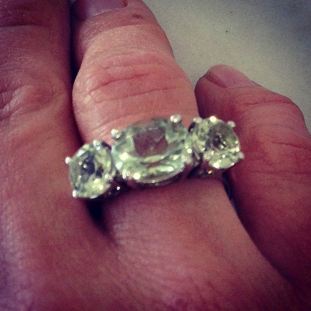 Cocktail ring for Christmas?? #green #greenquartz #portfairyjeweller #portfairy @luonejewellery #gorgeous #ring #cocktailring