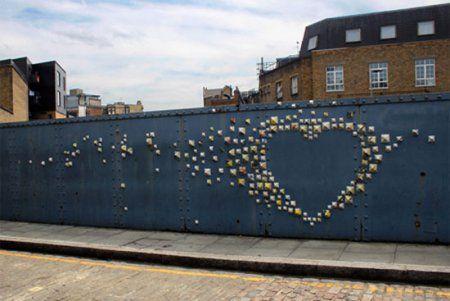 De l'art urbain éphémère pour dire son amour à l'heureux élu ! Ephemeral urban art to tell your lucky one that you love him/her !