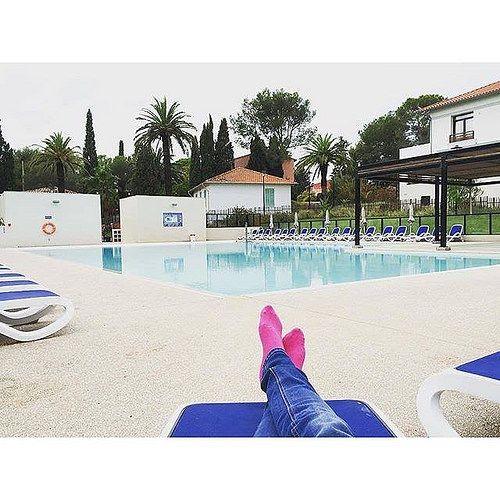 1000 id es sur le th me tenues de piscine sur pinterest for Hotel piscine interieure paca