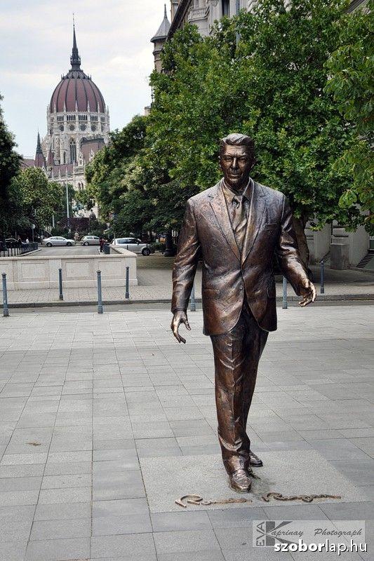 Ronald Reagan - Budapest, Hungary (Máté István, 2011) | Köztérkép