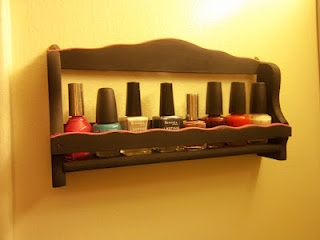 turning a spice rack into a nailpolish holder - find out how on this blogGood Ideas, Apartments Ideas, Nails Polish Holders, Finding, Spices Racks, Nailpolish Holders, Blog, Spice Racks, Feelings