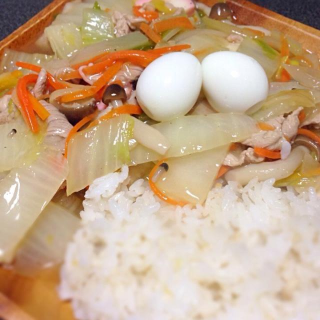 冷凍庫にあったシメジも入れた。 簡単夕ご飯バンザーイ‼︎ - 14件のもぐもぐ - うっちーさんの 白菜と豚肉の中華風どんぶり by umek0
