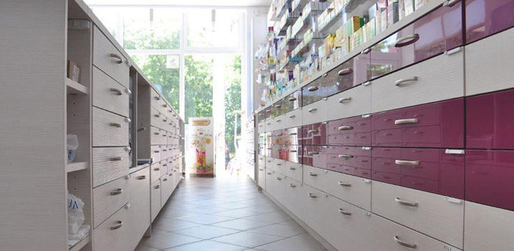 Interior counter sertare - amenajare farmacii. http://www.sertarefarmacii.ro/page/35-continuam-proiectele-de-amenajare-a-farmaciilor-myosotis