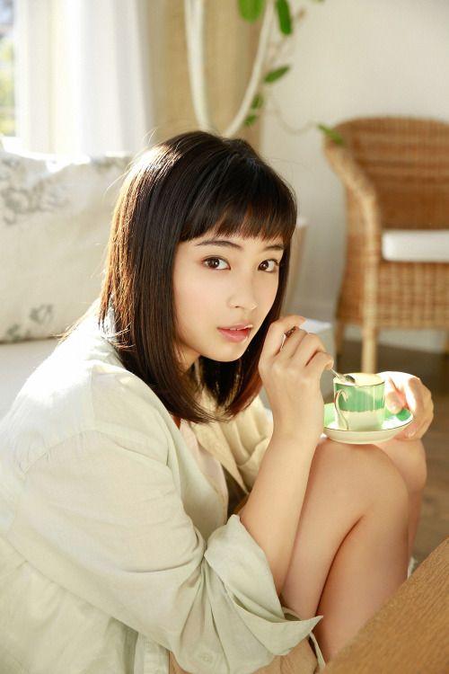 """gzbu: """"Suzu Hirose http://ift.tt/1UsKhqe """""""