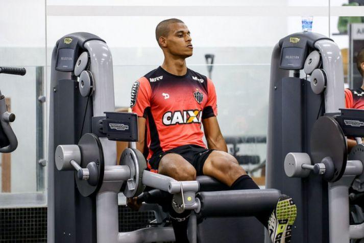 Volante Lucas Cândido, em treinamento do Atlético-MG