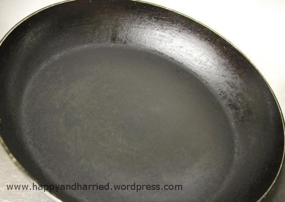Home Tip - How to Clean Dirty Frying Pans