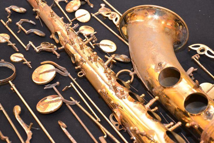 Le Musée des instruments à vent a été créé en 1888 par les ouvriers finisseurs en instruments de musique de La Couture-Boussey.   Il présente une collection exceptionnelle de cors anglais, de flûtes, de hautbois de toutes tailles et de clarinettes du XVIIIe siècle à nos jours ainsi que des outils et machines qui retracent l'histoire économique et artistique de La Couture et son bassin, spécialisés dans la facture instrumentale depuis le XVIIe siècle.    La région de La Couture-Boussey est...