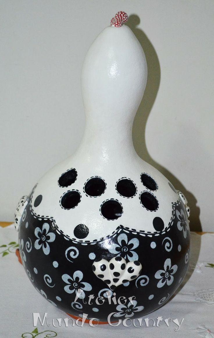 Tays Rocha: Arte em cabaça - Galinha porta-colher #artesanato #crafts #gourds #homedecor #countrypaint #recycling #taysrocha #ateliermundocountry